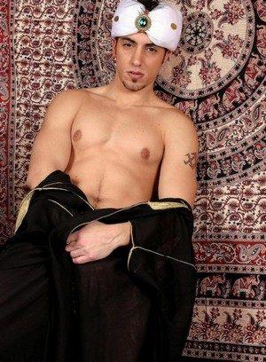 Horny Gay Muzzafar,