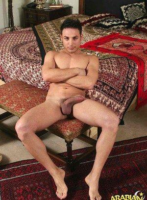 Sporty Hunk Muzzafar,Rasul,