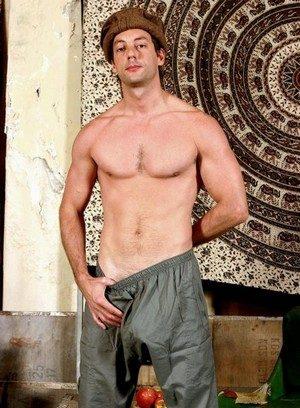 Hot Gay Nijad Hayan,
