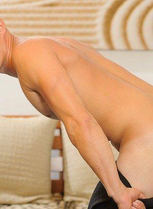 Hot Gay Elias Rys,