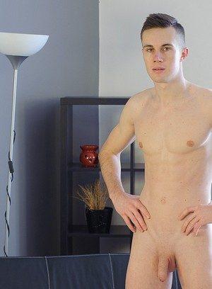 Wild Gay Bodi Curek,