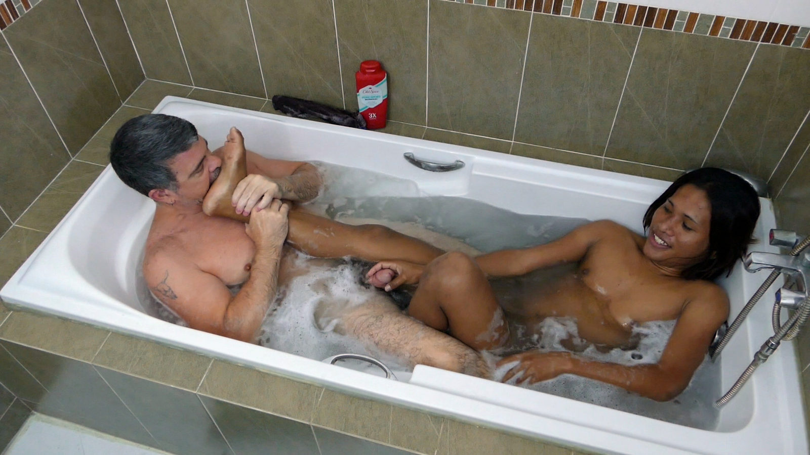 bed-guys-naked-in-a-bathtub-having-sex-pocket-fuck-sleeping