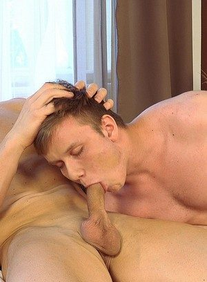 Sexy Guy Tomas Decastro,