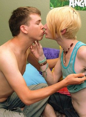 Cute Gay Preston Andrews,Evan Darling,