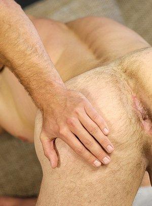 Sexy Guy Niko Molen,