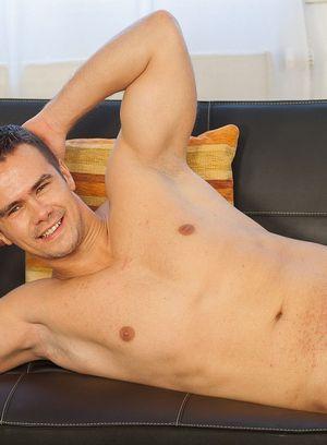 Sexy Guy Mirek Ivok,
