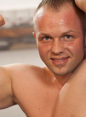 Sexy Dude Tomas Polony,