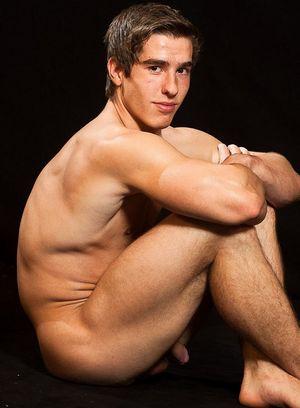 Hunky Gay Erik Drda,