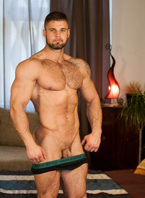 Big Dicked Gay Leo Lombar,