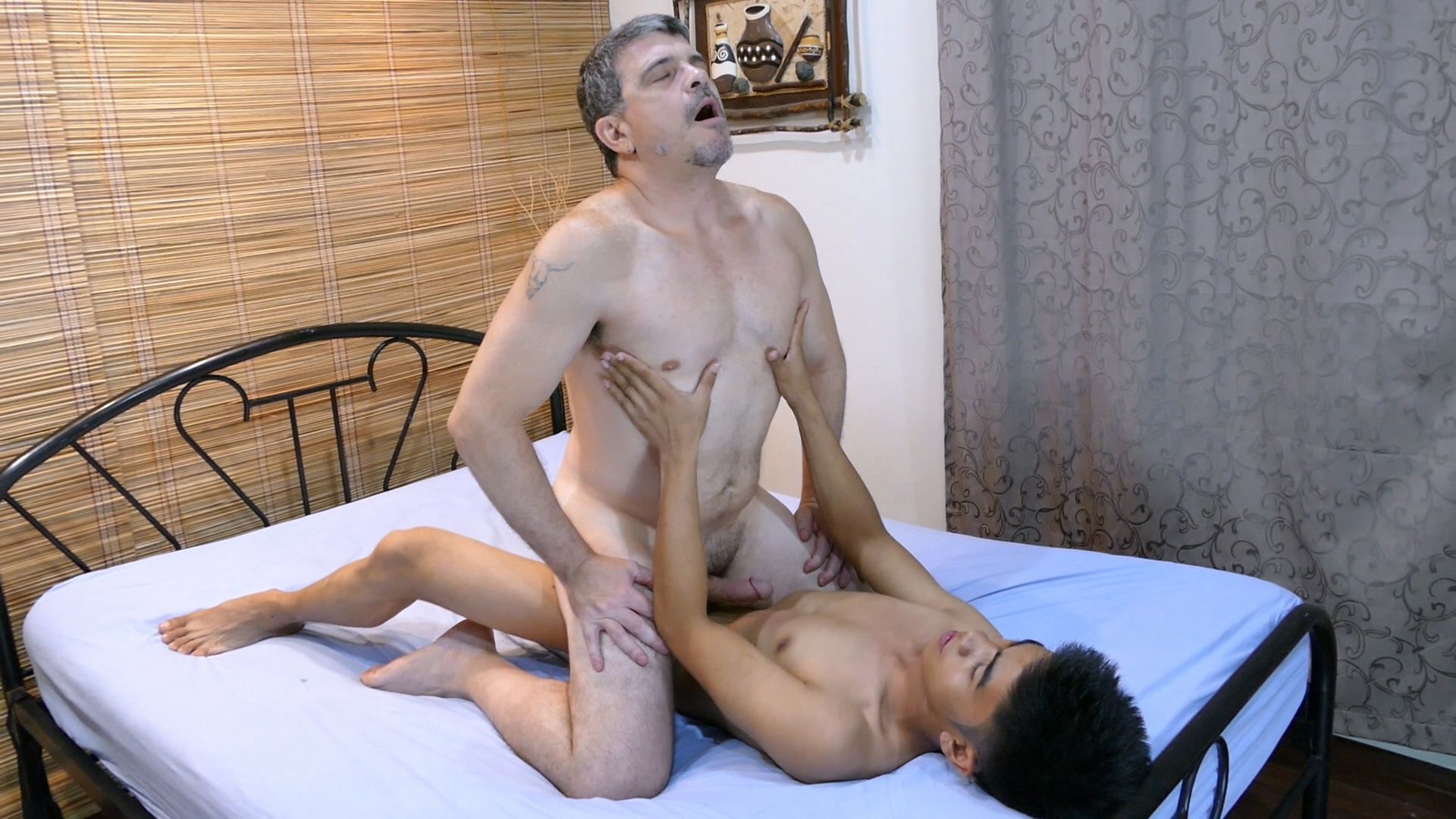 Daddy and asian twinks sex orgy