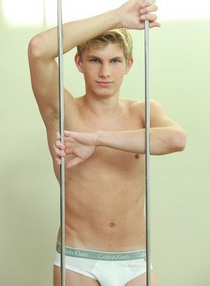 Hot Guy Knut Larsson,