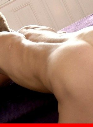 Sexy and confident Roald Ekberg,Ronny Lamarr,