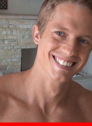 Hot Gay Yuri Alpatow,