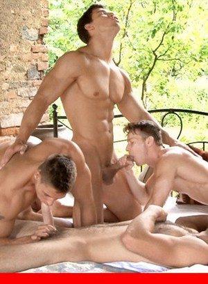 Sexy Guy Kris Evans,Tommy Defendi,