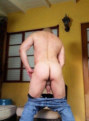 Sexy Guy Brian Davilla,