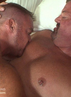 Hot Gay Mitch Davis,Bruce Mills,