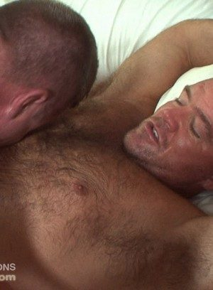 Hot Boy Mitch Davis,Bruce Mills,