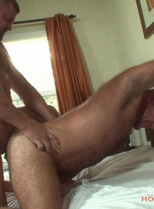 Seductive Man Mitch Davis,Bruce Mills,
