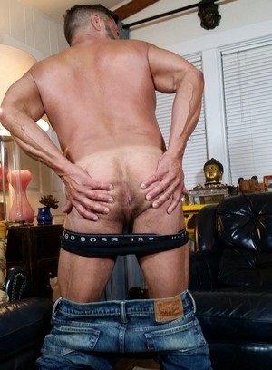 Hot Boy Danny Crockett,