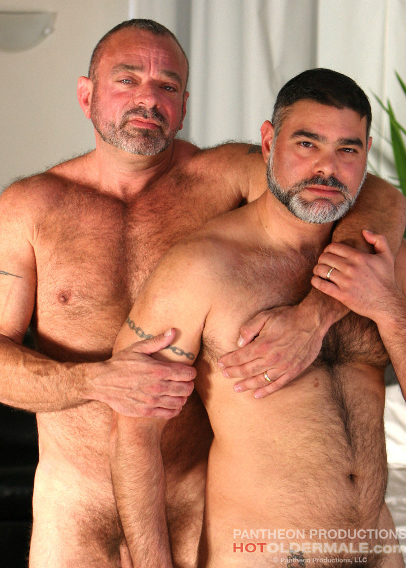 Hotoldermale mike and jesse