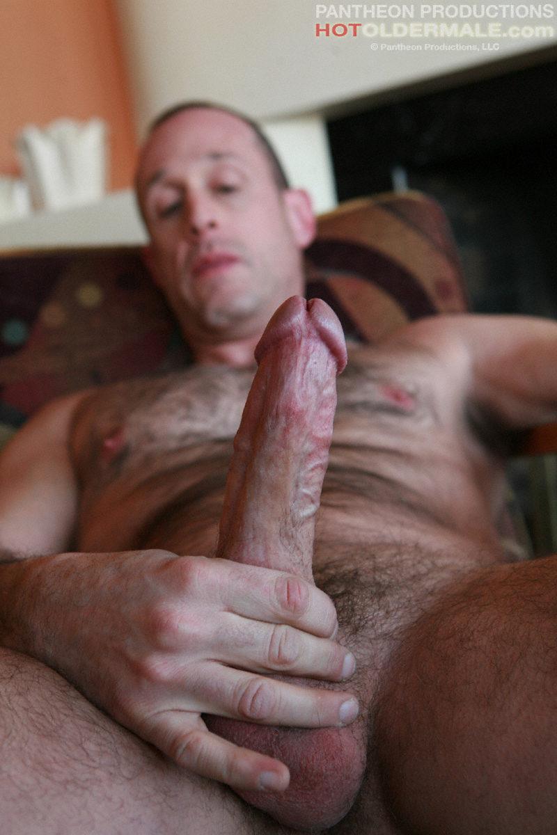 Qatar man very horny cum show Gaymanveryhorny
