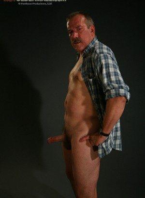 Good Looking Guy Lee Edwards,
