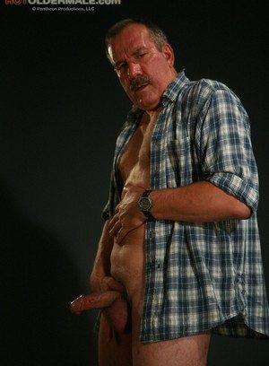 Hunky Gay Lee Edwards,