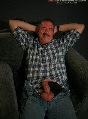 Big Dicked Gay Lee Edwards,