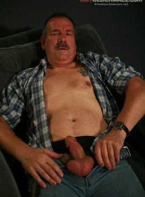 Cute Gay Lee Edwards,