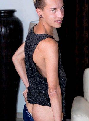 Hot Gay Loic Miller,