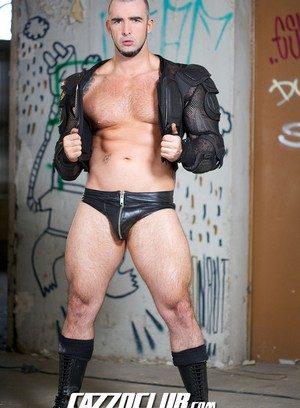 Sporty Hunk Lobo Bayard,