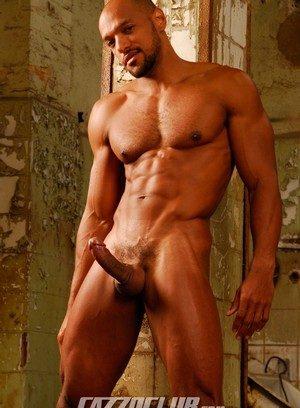 Good Looking Guy Josh Rubens,