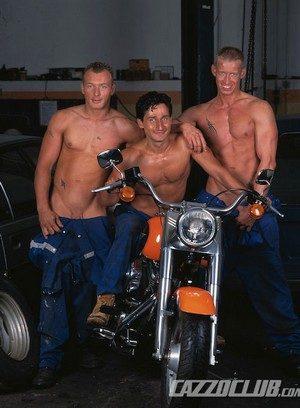 Sexy Guy Cyrus,Jack Janus,Patrik Eckberg,