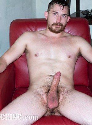 Good Looking Guy Ryan Cummings,