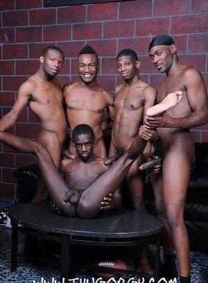 Horny Gay Virgo Da Beast,