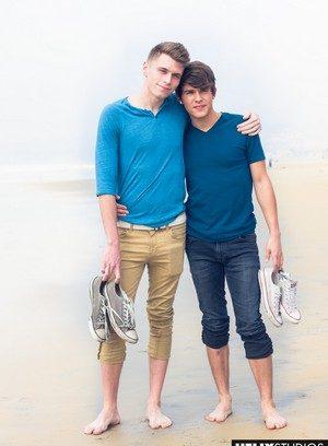 Hot Gay Troy Accola,Andy Taylor,
