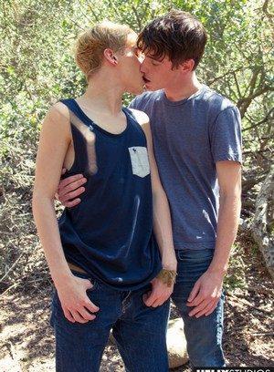 Sexy Gay Josh Bensan,Cooper Steel,