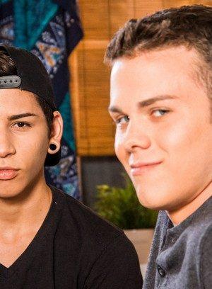 Hot Gay Aiden Garcia,Elliott Grey,