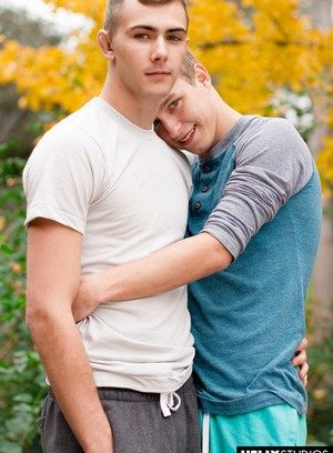 Hot Gay Noah White,Kody Knight,