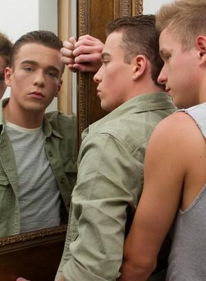 Hot Gay Noah White,Brad Chase,