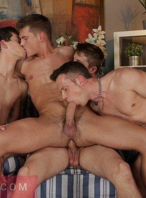 Good Looking Guy Johan Volny,Dion Jet,Finn Hornet,Ryan Olsen,