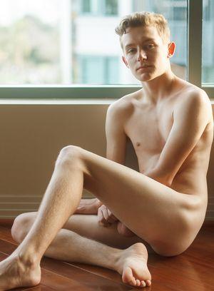 Hot Boy Leo Frost,