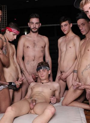Hot Gay Titus Snow,Mike Cole,Aaron Twink,