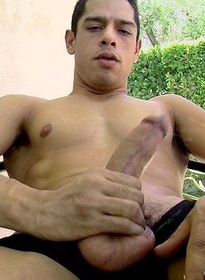 Hot Boy Bobby Hart,