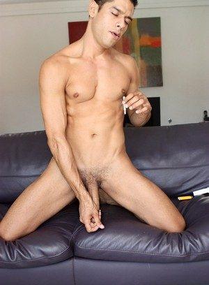 Hunky Gay Bobby Hart,