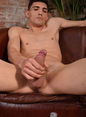 Handsome Guy Luke Tyler,