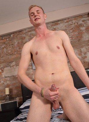 Hot Boy Ryan Cayman,