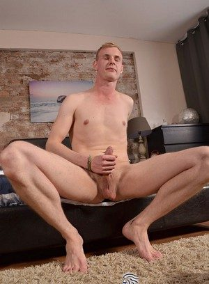 Good Looking Guy Ryan Cayman,