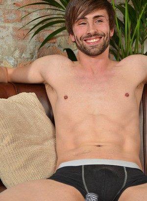 Sexy Guy Ryan Mason,