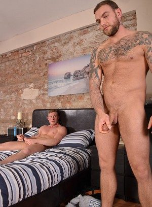 Horny Andy Lee,Liam Lawrence,